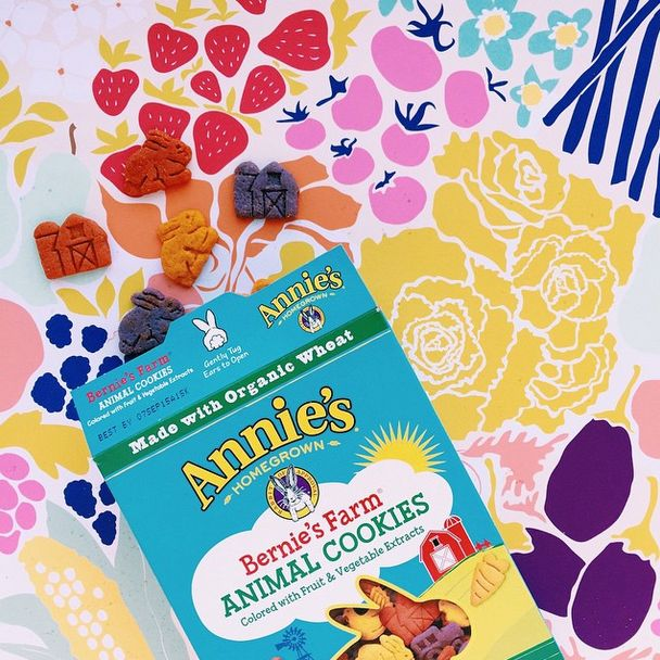 With new Bernie's Farm® Animal Cookies, connecting kids to real food and farm experiences just got a little sweeter! Say hello to playful cookie shapes featuring life on the farm, including a cow, tractor, barn, chicken and more. Made with organic wheat and naturally colored with fruit and vegetable extracts like blueberry, beet and carrot, parents will love the wholesome ingredients and fun farm shapes that make snack-time great-tasting and exciting for little ones! #RealFoodisFun