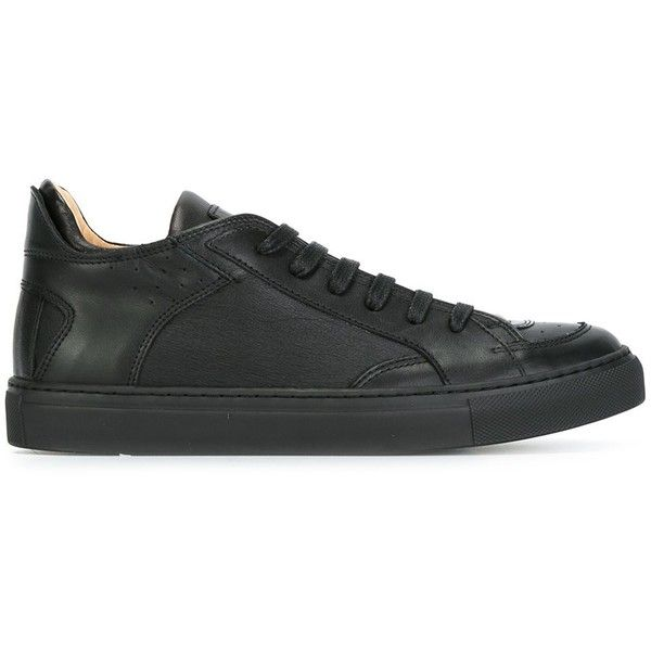 Mm6 Maison Margiela classic lace-up sneakers ($235) ❤ liked on Polyvore featuring shoes, sneakers, black, black lace up sneakers, black trainers, black rubber shoes, rubber shoes and black leather trainers