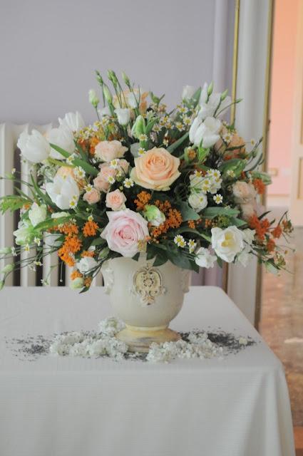 Il Profumo Dei Fiori: Verde Menta e Arancio: una scelta di stile.