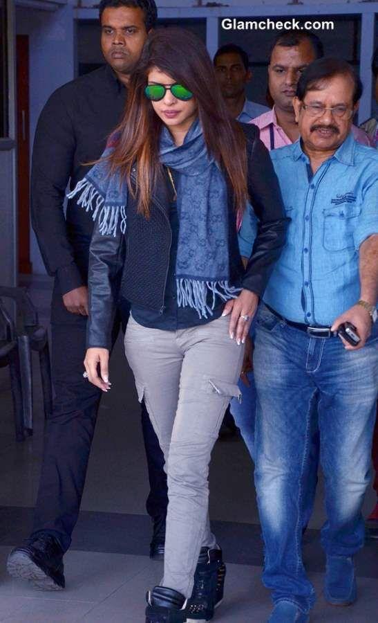 Cute Priyanka Chopra.. For More: www.foundpix.com #PriyankaChopra #BollywoodActress #Hot