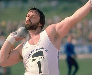 1983  1985 Geoff Capes wins Worlds Strongest Man