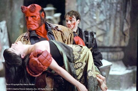 Still of Ron Perlman, Selma Blair and Rupert Evans in Hellboy (2004) http://www.movpins.com/dHQwMTY3MTkw/hellboy-(2004)/still-1143052288
