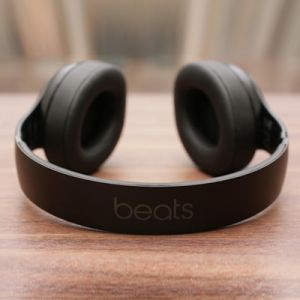 Tampil Gaya Dan Simpel Dengan Headphone Wireless Beats Studio