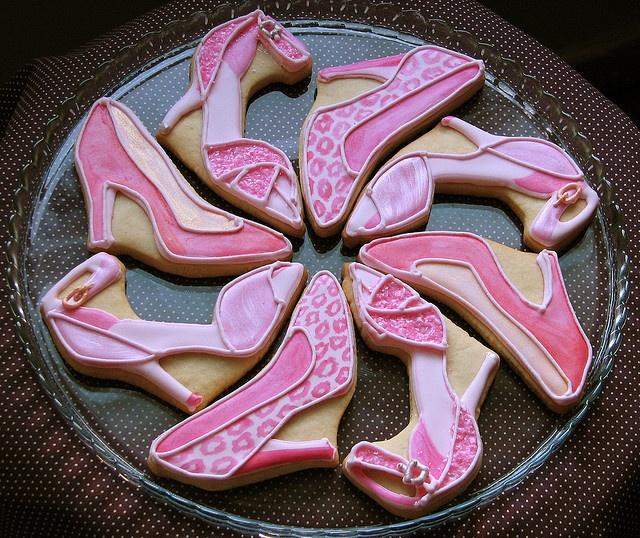 Adorable high heel painted cookies!