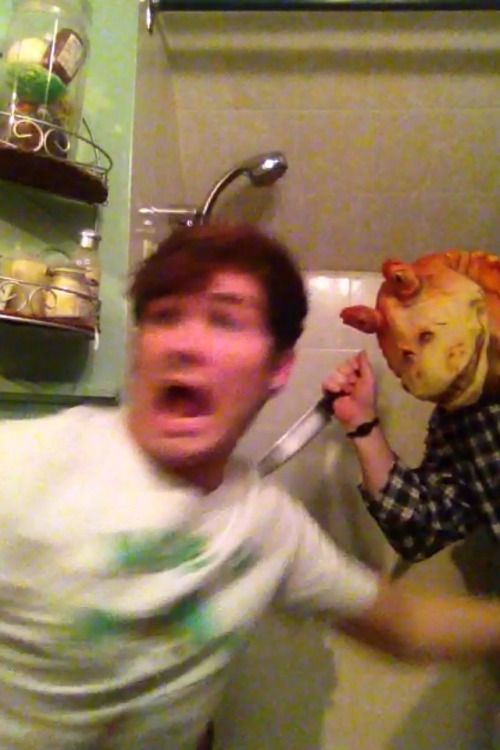 """jakemalik: """" my dad hid in the shower once with a jar jar binks mask and a knife just to scare me and got it on camera """""""
