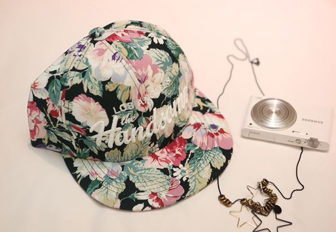Republic of Korea reigning Women's Clothing Store [CANMART]  #koreafashionshop #fashion_pinter #pinterclothes #pintershop #womenfashion #goodquality #goodfabric #korea #dailylook #dailyfashion #CANMART #OOTD #madam #mam    #codi #acc #hat #snapback #floral #summer #vacance   Snap back to trendy flower print! Enjoy the look of the points during the vacation!  floral snapback / Size : FREE / Price : 19.91 USD