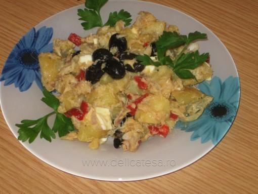 Salată orientală cu peşte afumat