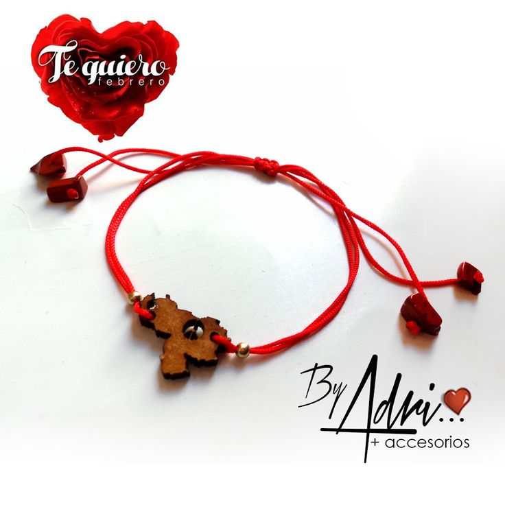 Amo mi país. Dije en madera Venezuela con hilo chino rojo + piedras de arcilla...pulsera para llevarla siempre #hechoenvenezuela #love #pulsera #accesorios