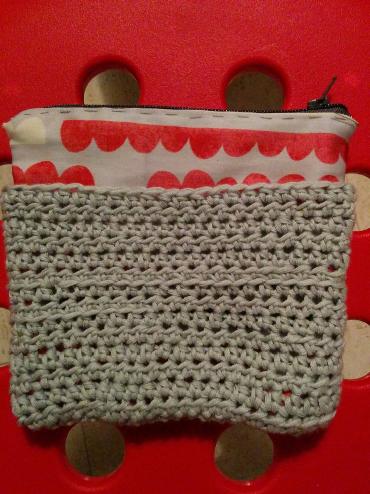 Little crochet pouch and bad sewing