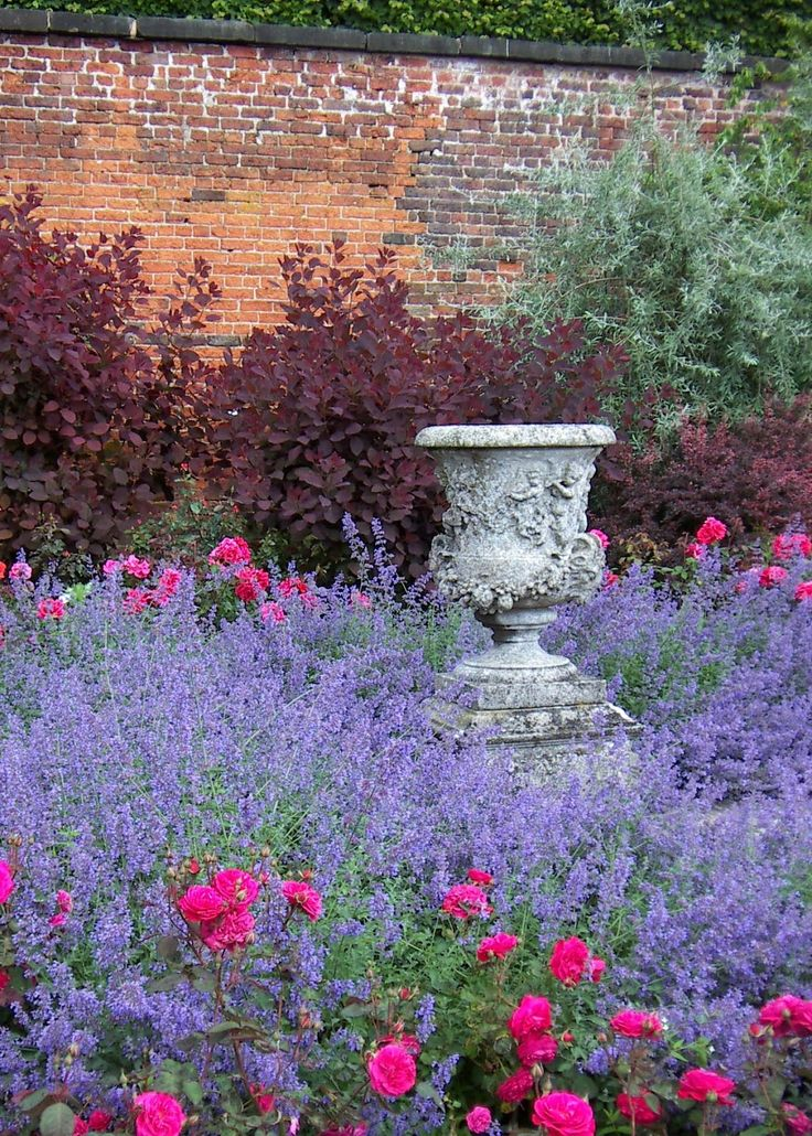 120 Best Images About Pretty Gardens On Pinterest | Gardens