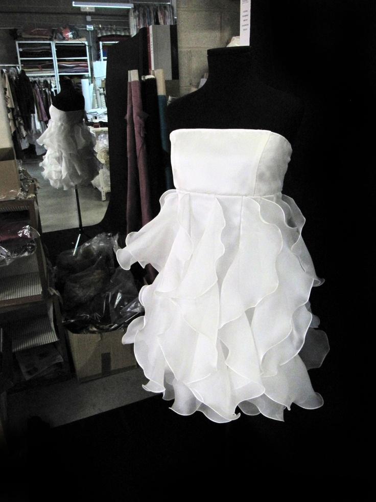 trabajando en vestidos cortos!