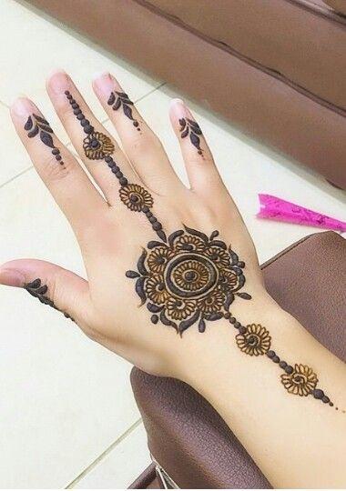 Pretty simple henna mendhi