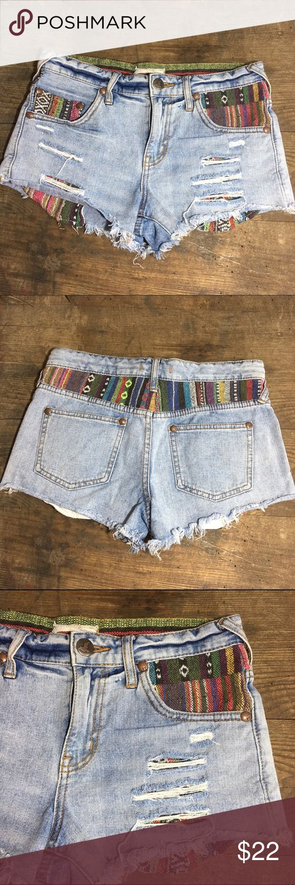Free People Jean Shorts Free people cut jean shorts with colorful print details and pockets! Super comfortable and adorable. Free People Shorts Jean Shorts