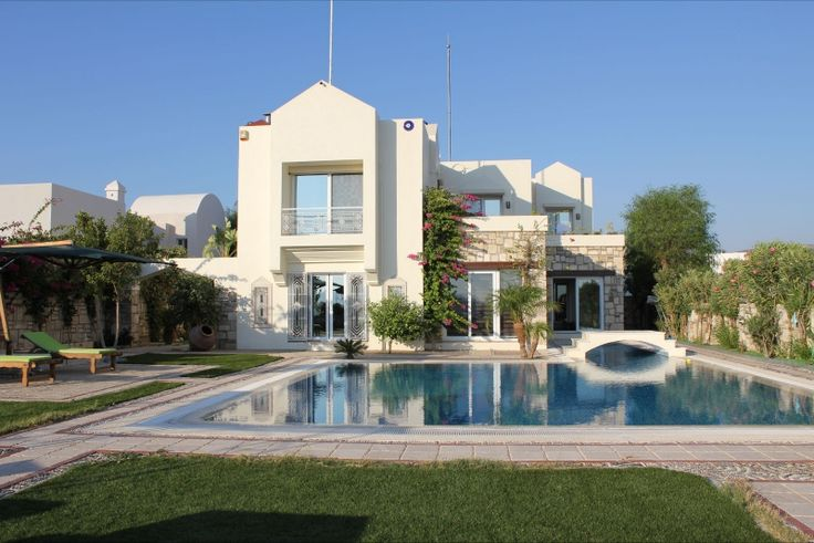 Would you love to have this dream home in Turkey? Click here to check out this magnificent villa with views of Bodrum Castle & Bay.