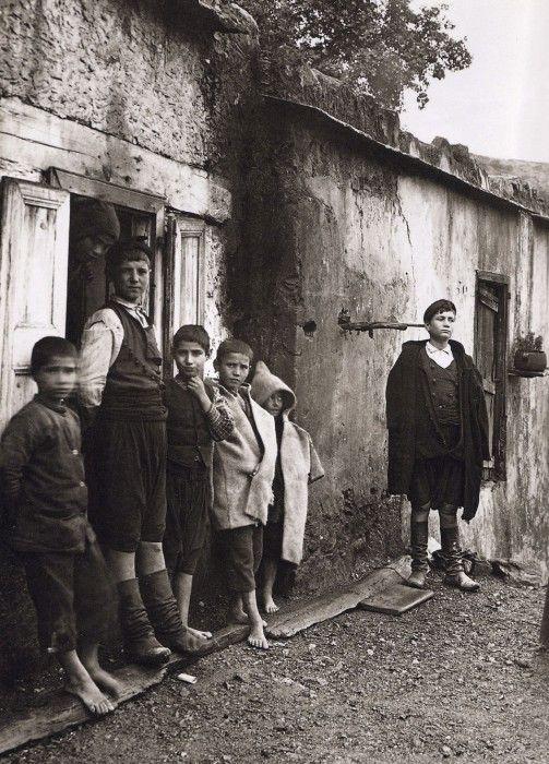 80 priceless photos of Crete 1911-1949