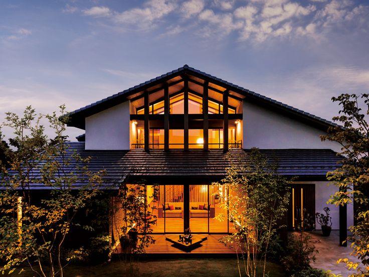 """【公式:ダイワハウスの木造住宅商品xevoGranWood(ジーヴォグランウッド)のサイト】木の誇りを、信頼とともに。日本の伝統建築の粋を、現代の住まいに受け継いで。""""木を活かした心地良い空間""""をご提案します。"""