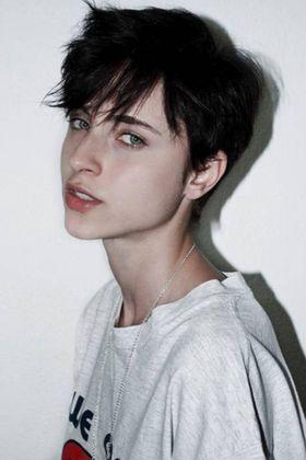 中性的でかっこいい女性画像まとめ - NAVER まとめ