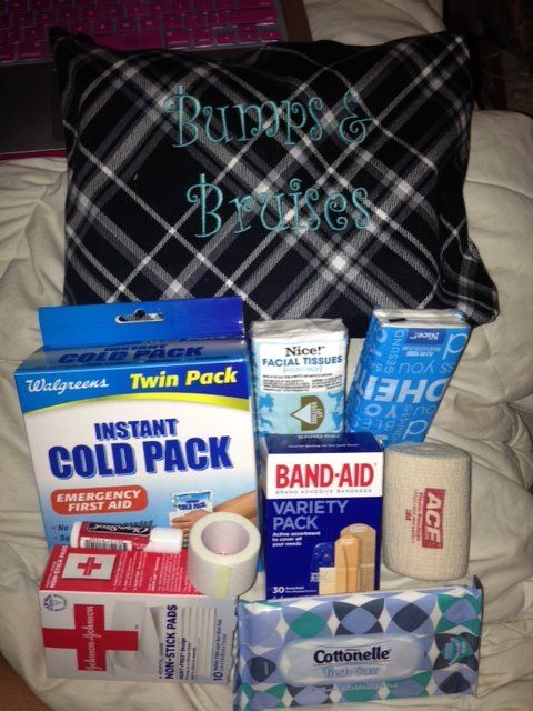 Thirty-One Zipper Pouch ... Makes a great first aid kit!  www.mythirtyone.com/hollieboshers