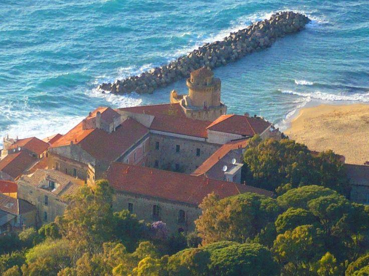 Palazzobelmonte - Castellabate - Wikipedia