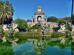 Parc Ciutadella Barcelona, good for boat rides, city zoo, fountains and plazas and Mammoth!