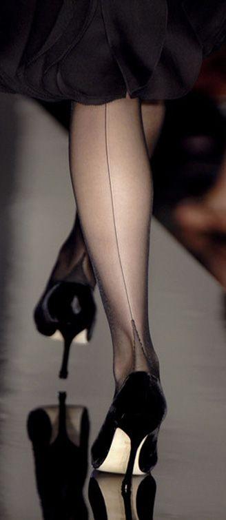 Jean Paul Gaultier Hermans Style Follow our web pages to the address: Facebook - Lo Stile è la veste del pensiero - Hermans street