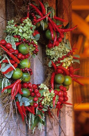 221216 - 07 Christmas wreath at Perch Hill with chillies, limes, crab apples, seedheads etc