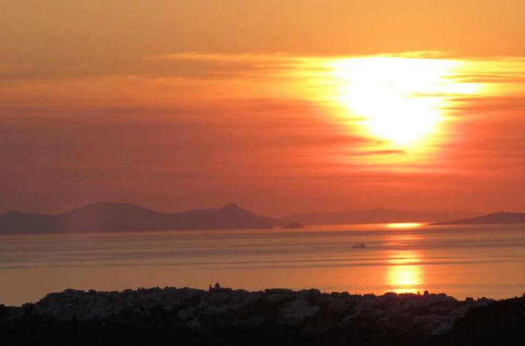 What's better than watching the sunset? Enjoy and relax... @ Rocabella deluxe suites & spa Santorini !!!