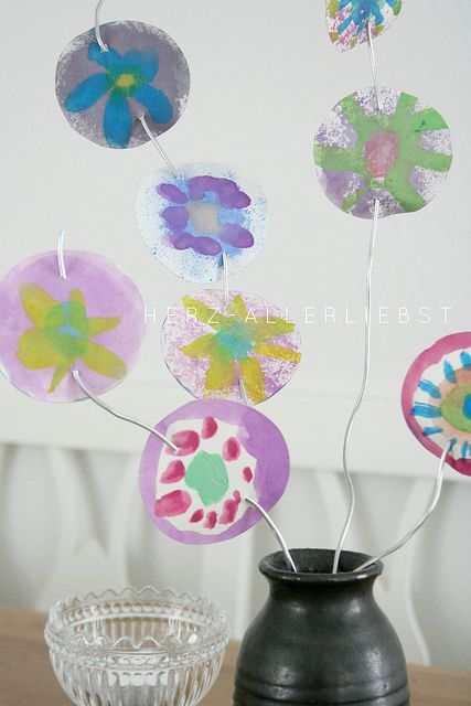 Papierblumen   herz-allerliebst