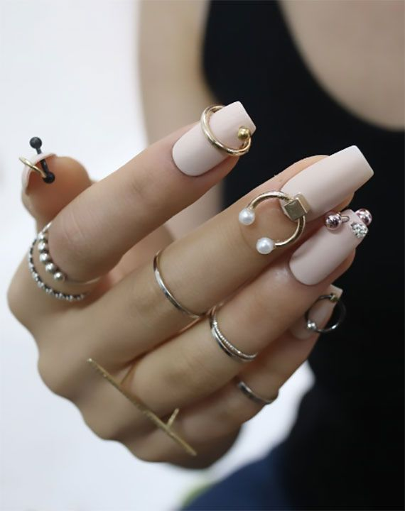 Nail jewelry ideas for an attractive nail design attractive
