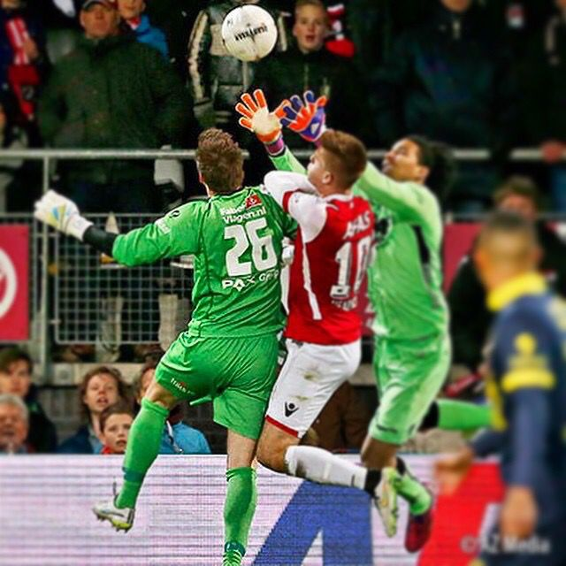 Harm Zeinstra (SC #Cambuur, Netherlands) vs Esteban Alvarado Brown (#AZ, #Netherlands) during the match AZ-SC Cambuur at the 21st of March 2015. #soccer #goalkeeper #greatsaves
