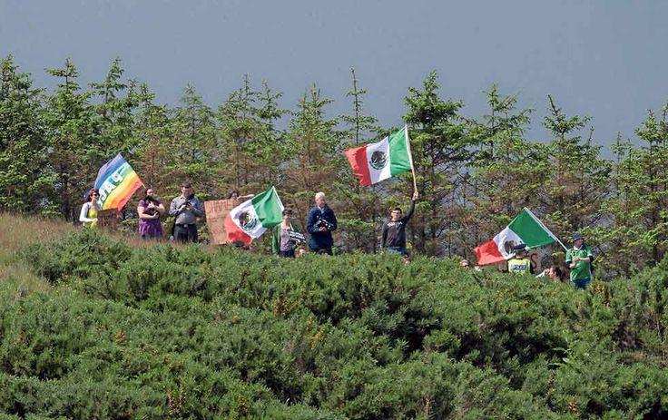 Invaden con banderas mexicanas campo de golf de Trump en Escocia - Diario Digital Juárez
