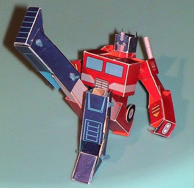 PAPERMAU: Articulated Optimus Prime Paper Model