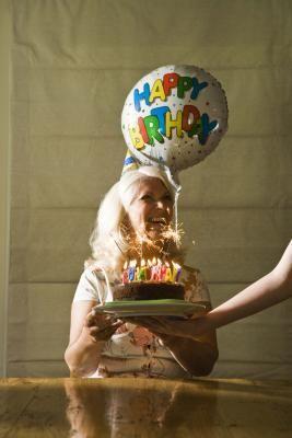 How do I Make a Sugar Free Diabetic Birthday Cake?  Here's how!