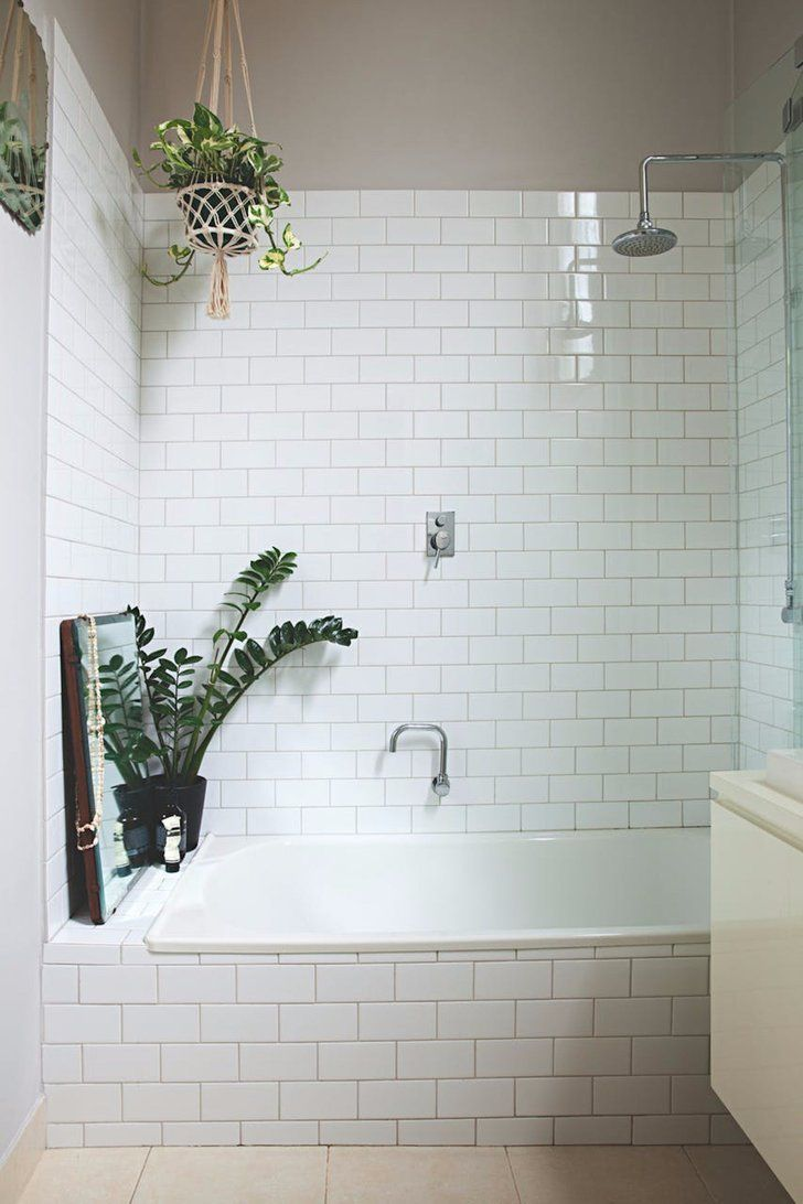 Elegant 13 Bathrooms Thatu0027ll Convince You To Hop On The Shower Plants Trend