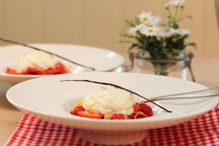 Marinerte jordbær med mascarponekrem