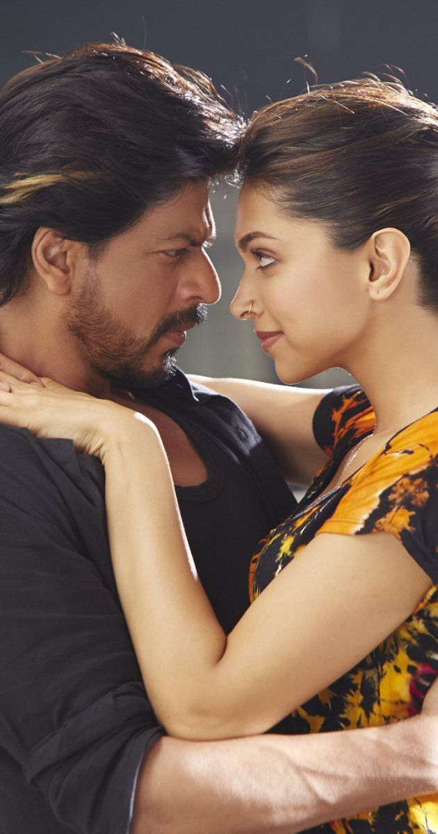 Still of Shah Rukh Khan and Deepika Padukone in Happy New Year (2014)