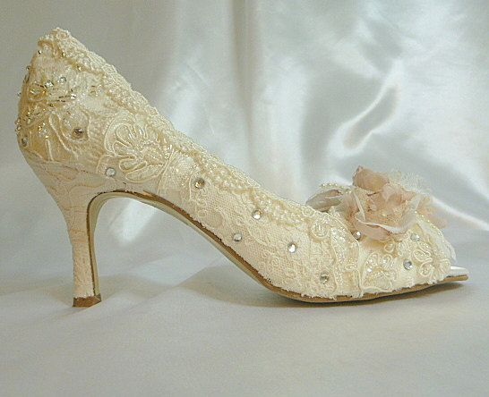 17 Best Ideas About Low Heel Wedding Shoes On Pinterest