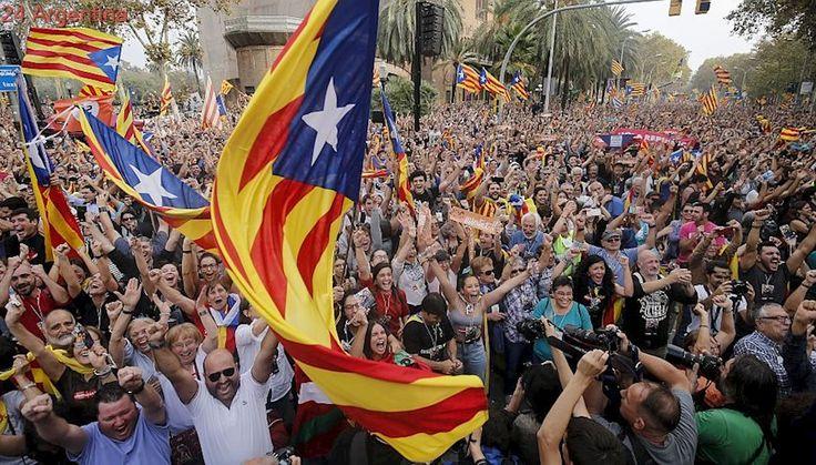 Más que a la independencia, Cataluña se asoma a un futuro de zozobras
