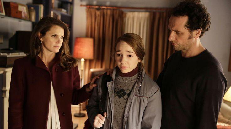Elizabeth Jennings (Keri Russell), Paige Jennings (Holly Taylor), and Philip Jennings (Matthew Rhys) in the Americans.