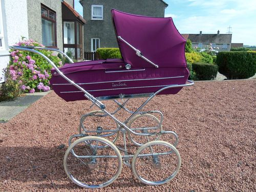 VINTAGE TANSAD COACHBUILT BABY PRAM (WILL PACK) I had one of these too