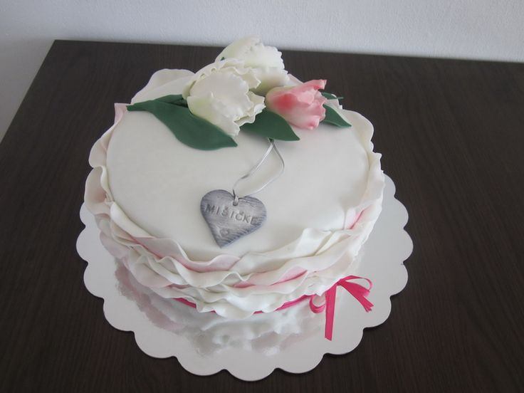 With tulips cake