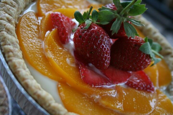 Custard fruit pie