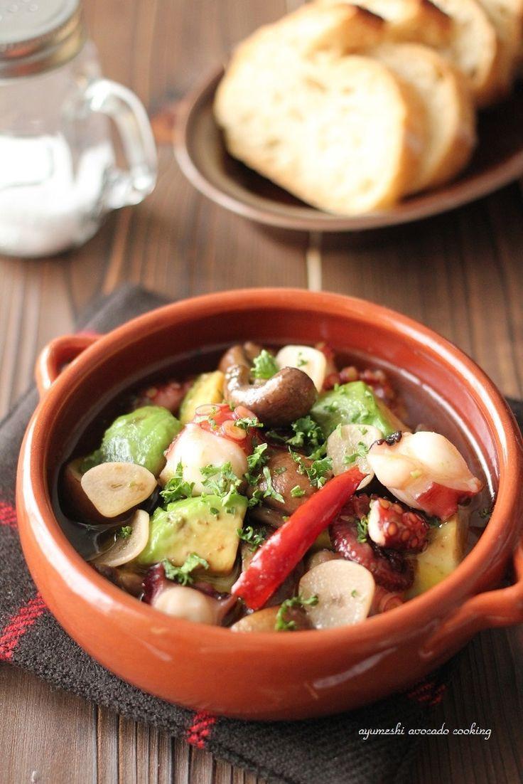 蛸とアボカドとマッシュルームのアヒージョ by 緑川鮎香 | レシピサイト「Nadia | ナディア」プロの料理を無料で検索