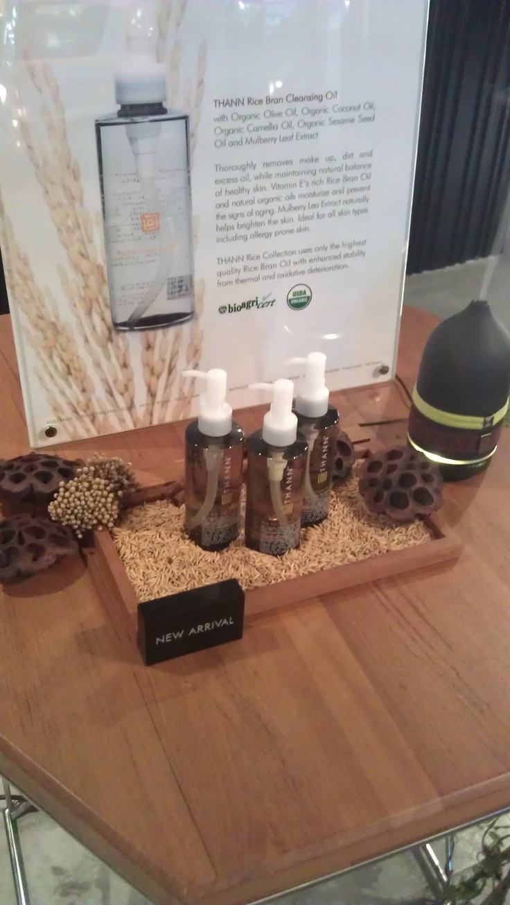 bath product table display.