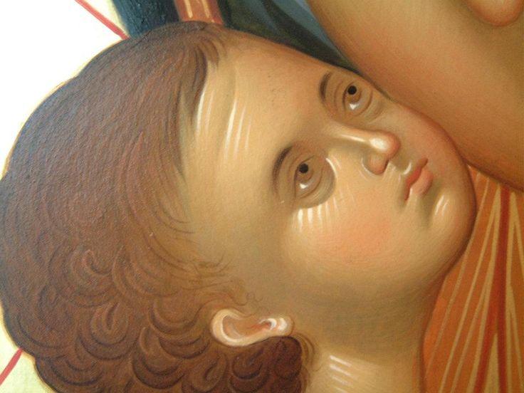 infant face detail