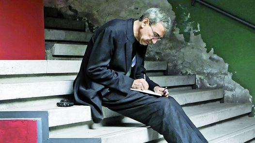 """Orhan Pamuk: """"Convertir palabras en imágenes es esencial para escribir y leer"""""""