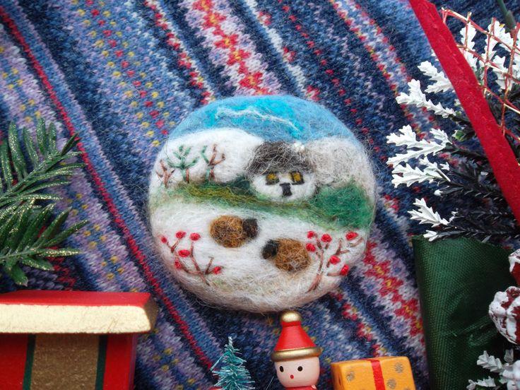 Spilla di lana pecore infeltrito fatto a mano quadro inverno unico regalo compleanno giaponese spilla regalo natale quadro infeltrito by MondoTSK on Etsy