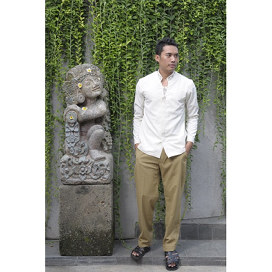 Code front office male alila ubud misc pinterest for Hotel uniform spa