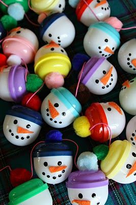 How Creative!!~~Plastic Snowmen (made from those clear containers in the gumball machines)~....<3