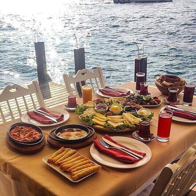 صباح الزيت و اللبنه صباح الشاي والجبنه مطعم ياكموز واطلاله محاذيه تماما للبسفور اسطنبول تركيا عدسة تركيا Turkey Instagram Posts Istanbul